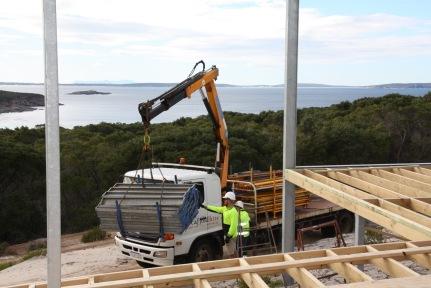 Unloading scaffold
